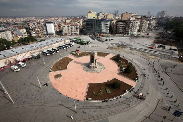 Taksim Square under police control today © Ahmet Şık/ NarPhotos